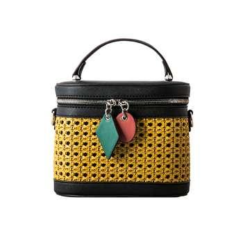 کیف رو دوشی زنانه دیوید جونز مدل 6246-1