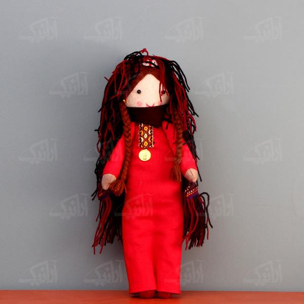 عروسک پارچه ای دست دوز  رنگ قرمز طرح بی بی نار مدل 1606800003