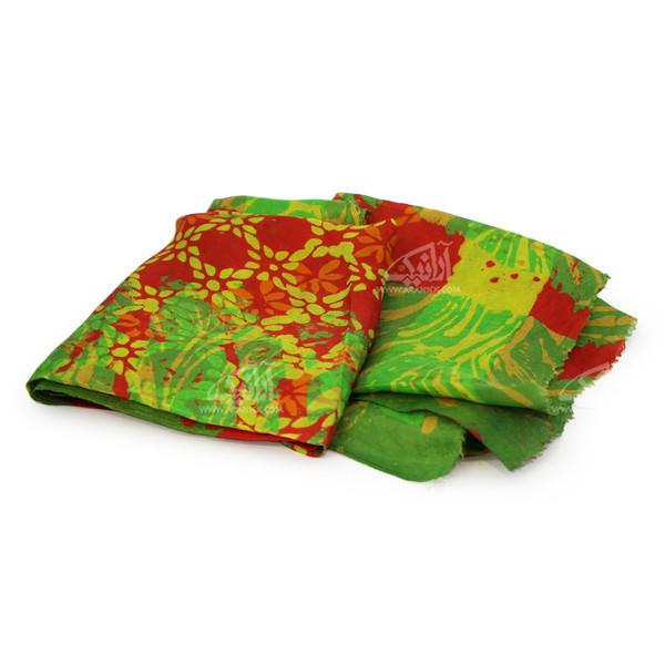 روسری ابریشمی باتیک قواره بزرگ سبز طرح روشا مدل 1213100009