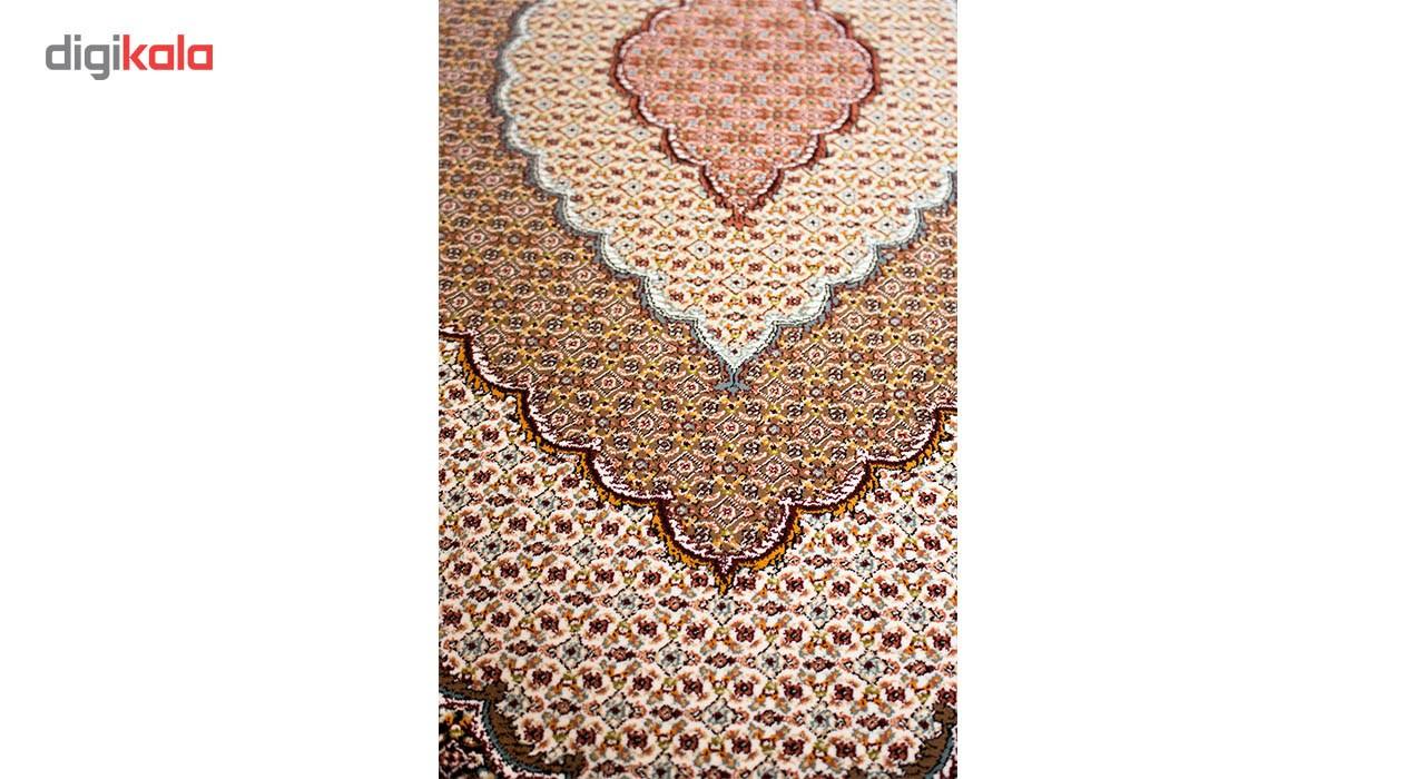 فرش ماشینی ساتراپی طرح ریز ماهی ارومیه زمینه مشکی