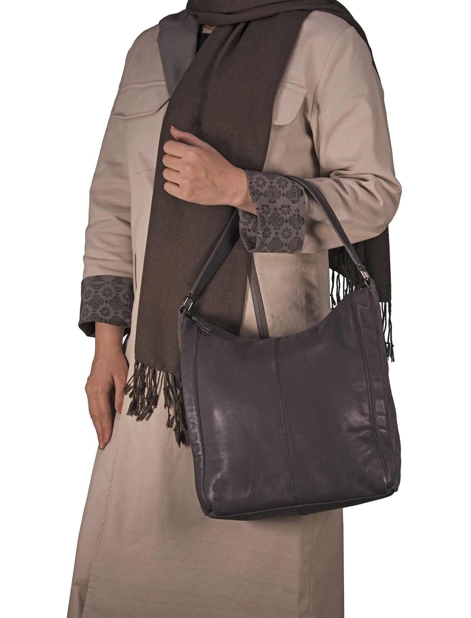 کیف دوشی چرم زنانه - باتا - قهوه اي مايل به طوسي - 6
