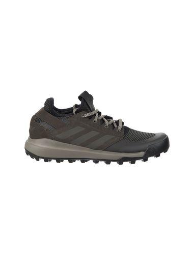 کفش مخصوص طبیعت گردی مردانه آدیداس مدل Mountainpitch