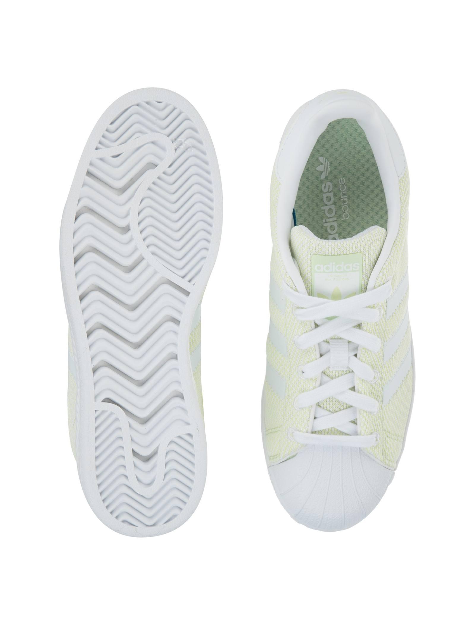 کفش راحتی زنانه آدیداس مدل BZ0634 - سبز روشن - 2