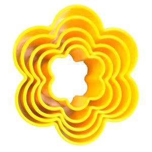کاتر شیرینی مدل گل شش پر  مجموعه ی 5 عددی کد 1022