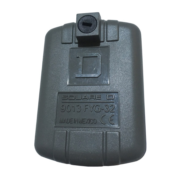کلید اتوماتیک پمپ آب اسکوآر دی مدل 9013FYG32