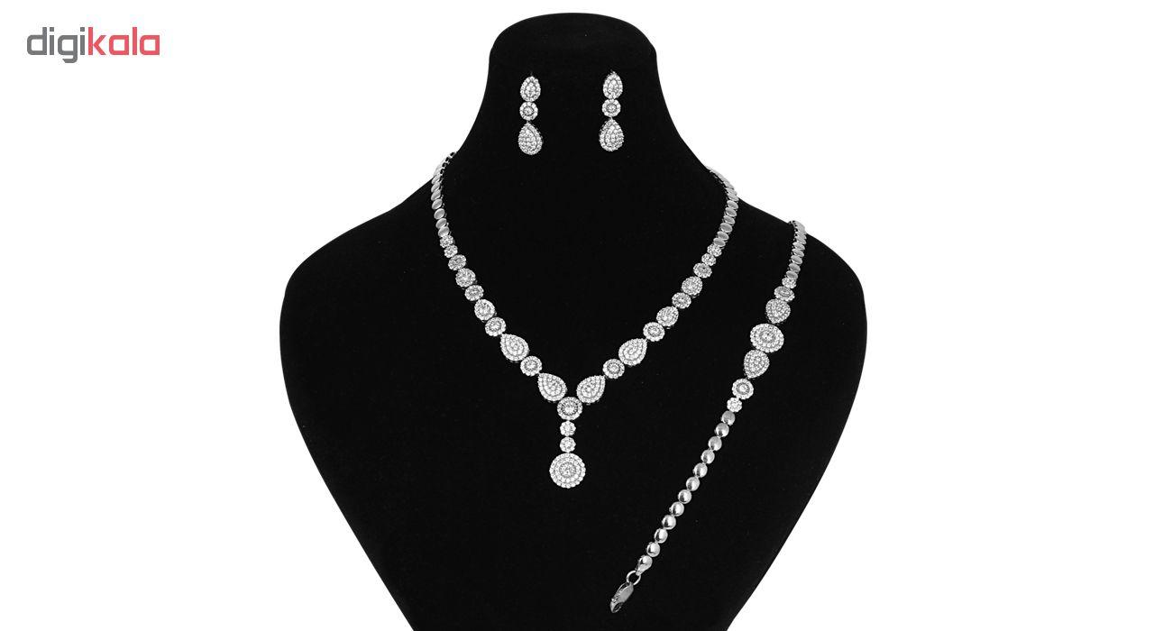 نیم ست نقره زنانه مدوکلاس کد 180344