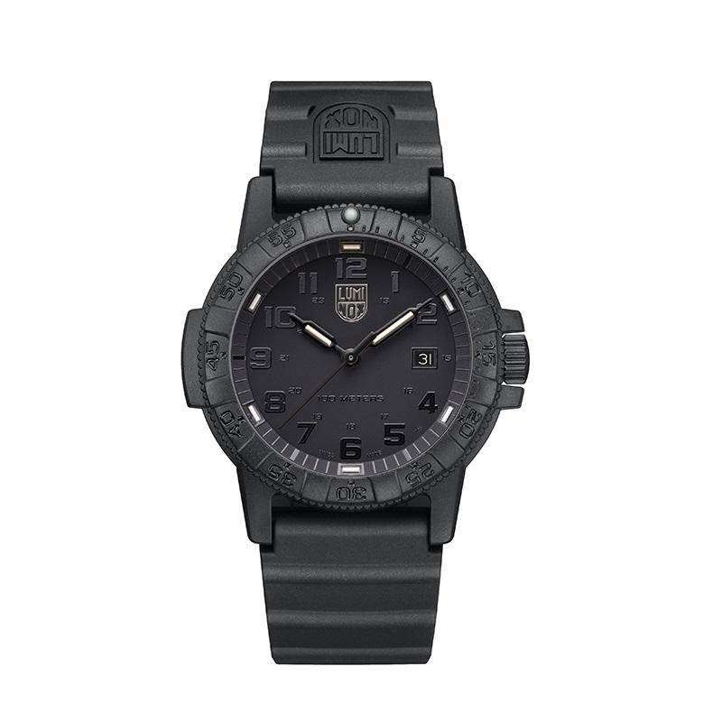 ساعت مچی عقربه ای مردانه لومینوکس مدل XS.0321.BO.L