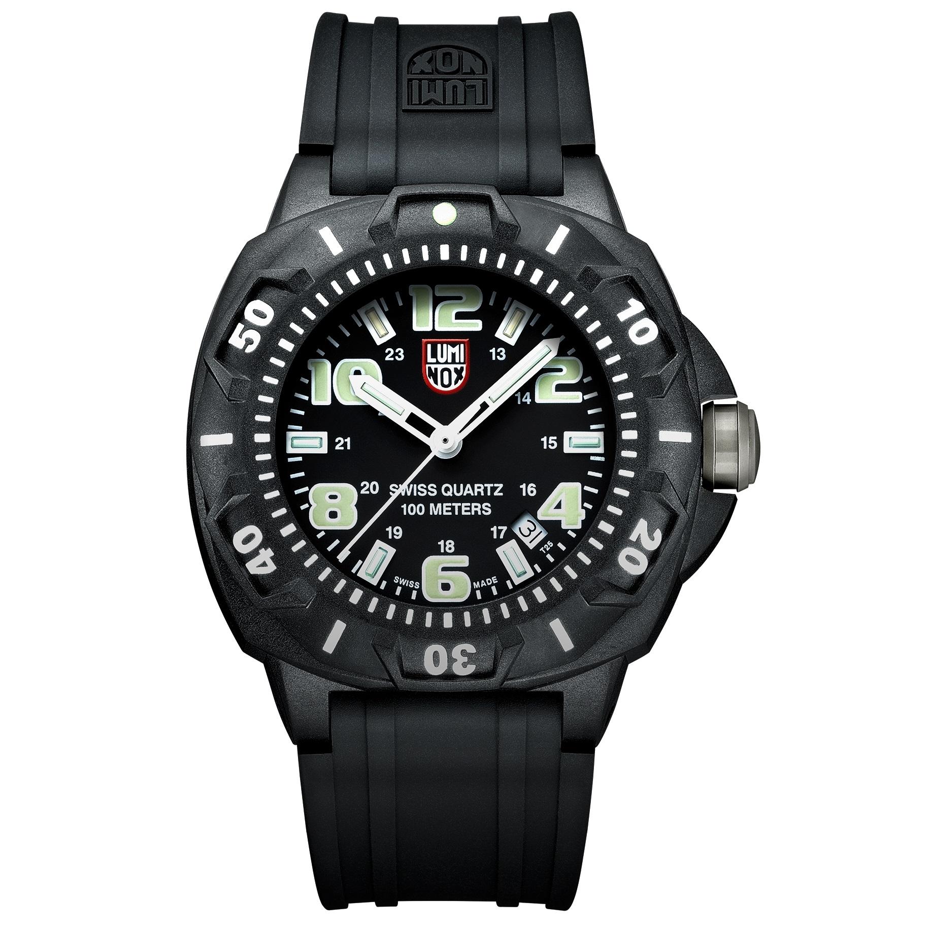 کد تخفیف                                      ساعت مچی عقربه ای مردانه لومینوکس مدل XL.0201.SL