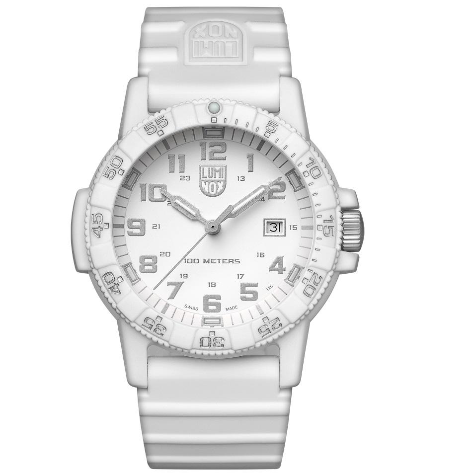 ساعت مچی عقربه ای مردانه لومینوکس مدل XS.0327.WO