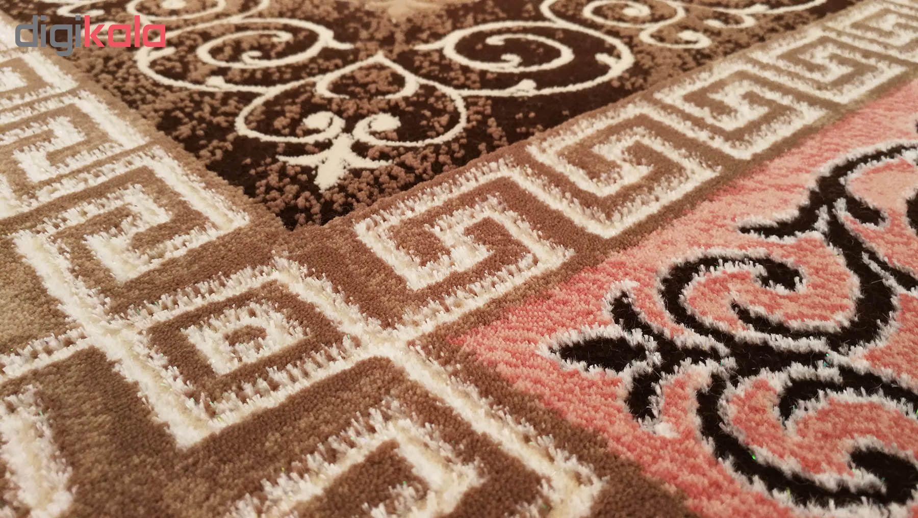 فرش ماشینی زمرد مشهد کد KR27 زمینه قهوه ای