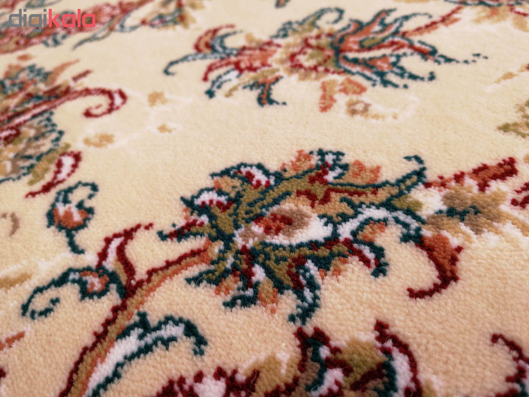 فرش ماشینی زمرد مشهد طرح افشان زمینه کرم