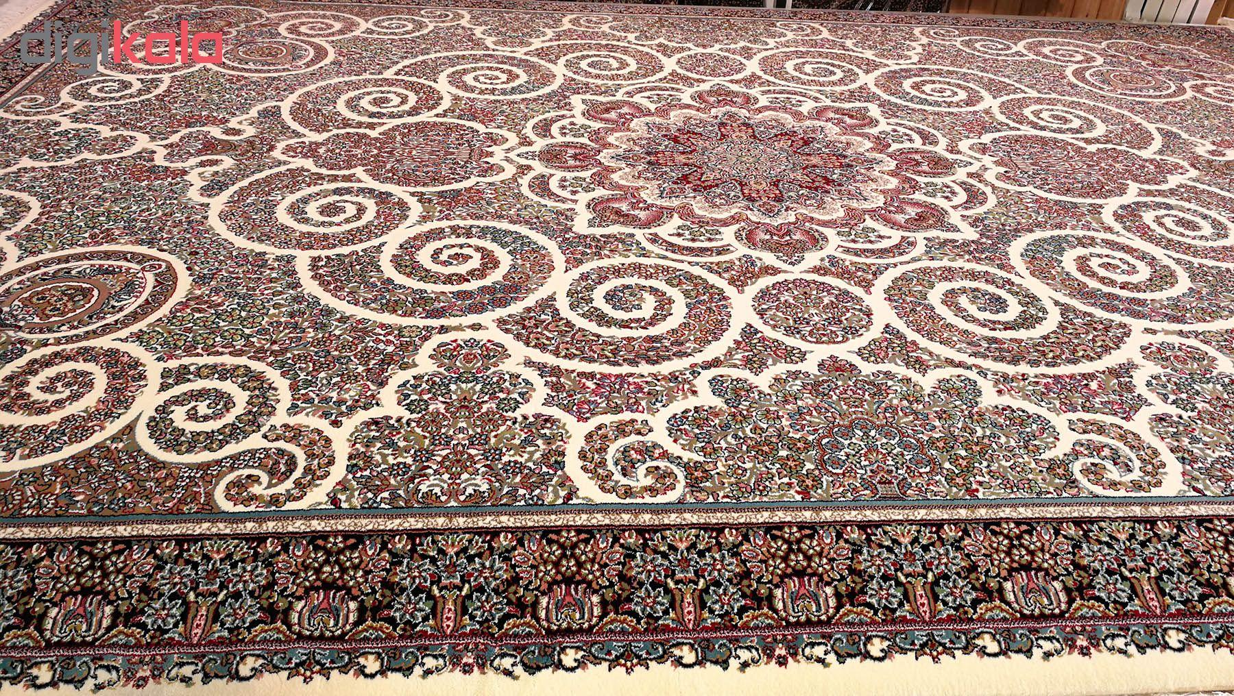 فرش ماشینی زمرد مشهد مدل 2100067 زمینه کرم
