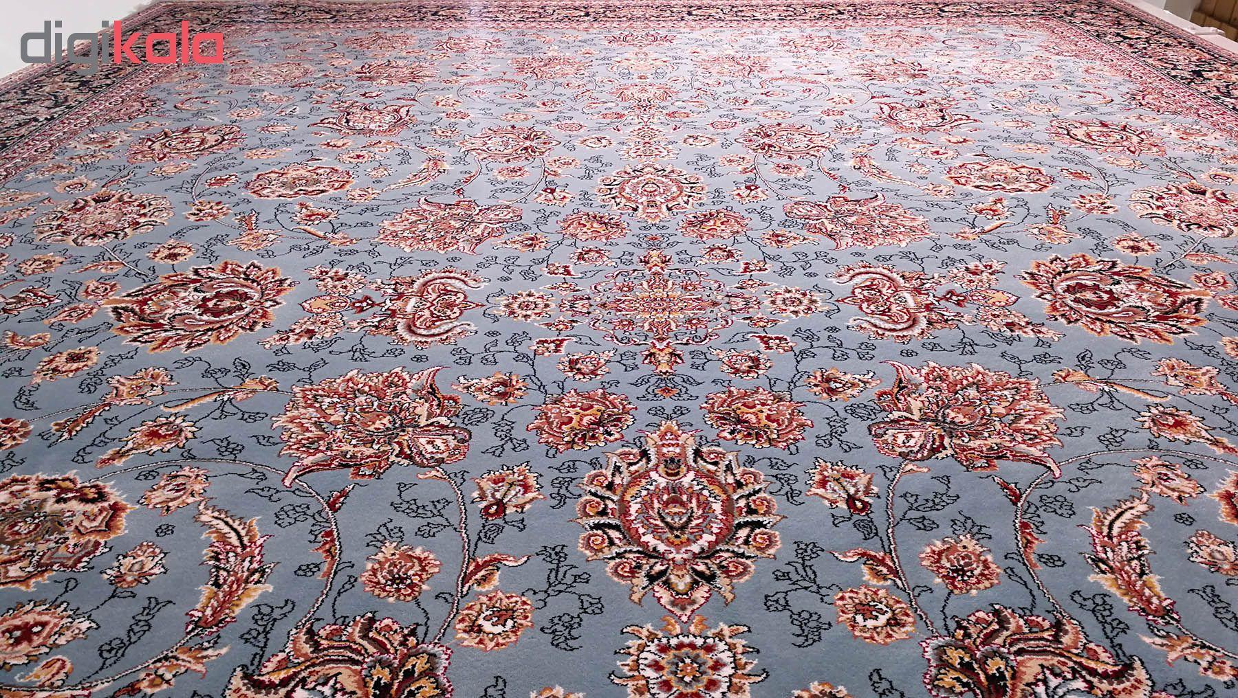 فرش ماشینی زمرد مشهد طرح افشان مدل گل درشت زمینه آبی