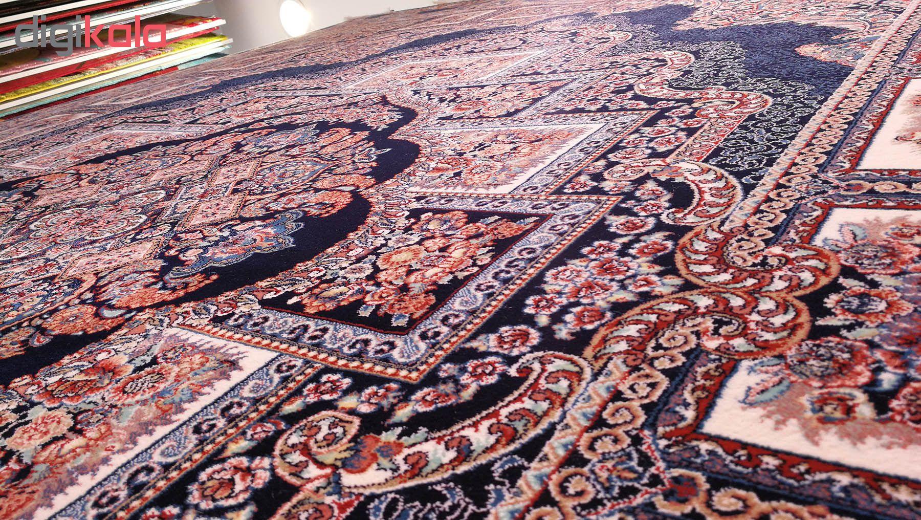 فرش ماشینی زمرد مشهد مدل حوض نقره زمینه سورمه ای