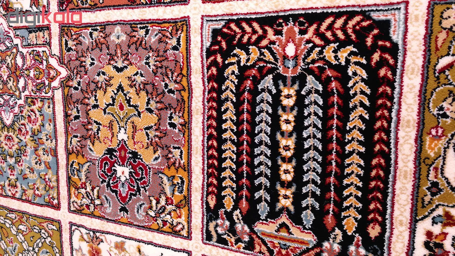 فرش ماشینی زمرد مشهد طرح خشتی مدل ترنج زمینه کرم