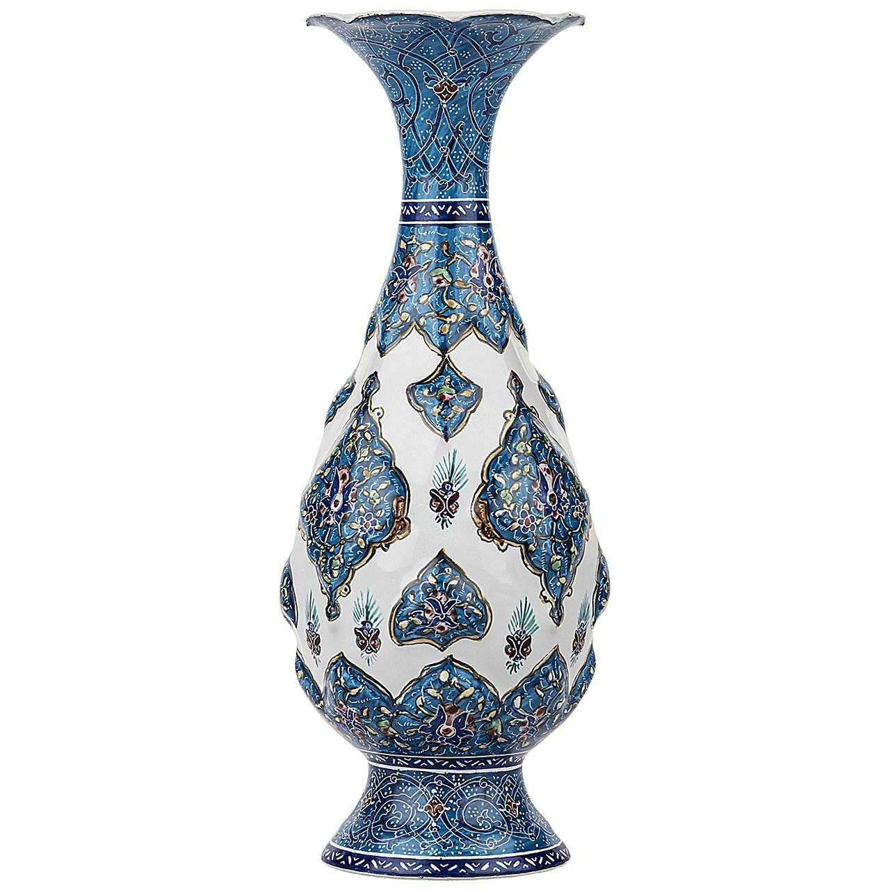 گلدان مسی میناکاری شده اثر اسماعیلی مدل صراحی طرح ترنج برجسته ارتفاع 20 سانتی متر