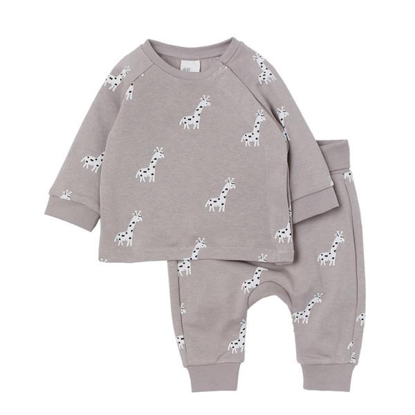 ست تی شرت و شلوار نوزاد اچ اند ام کد 0815569001