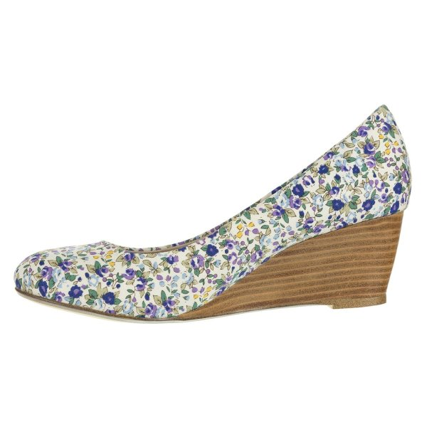 کفش زنانه ایزان کالاس مدل Low Wedge Pump3