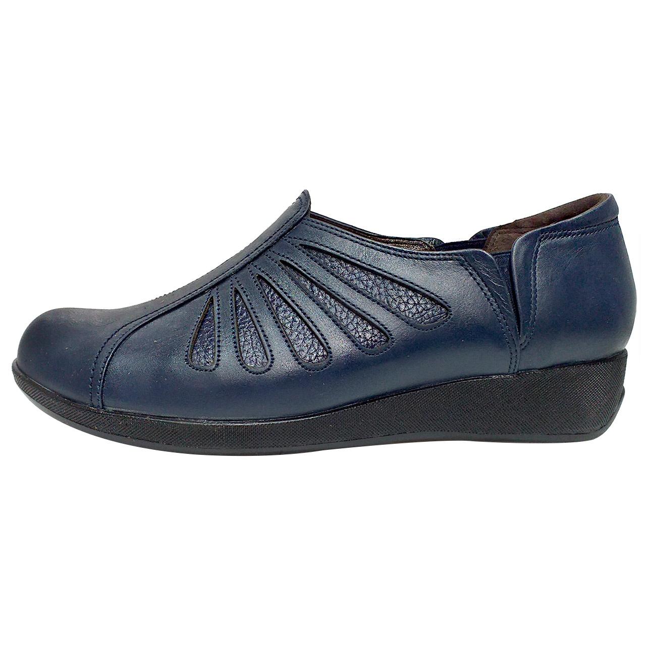 خرید                      کفش روزمره زنانه روشن مدل شاهین کد 03