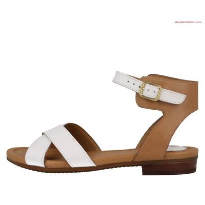 تصویر صندل زنانه کلارک مدل Viveca Zeal Leather Ankle Strap