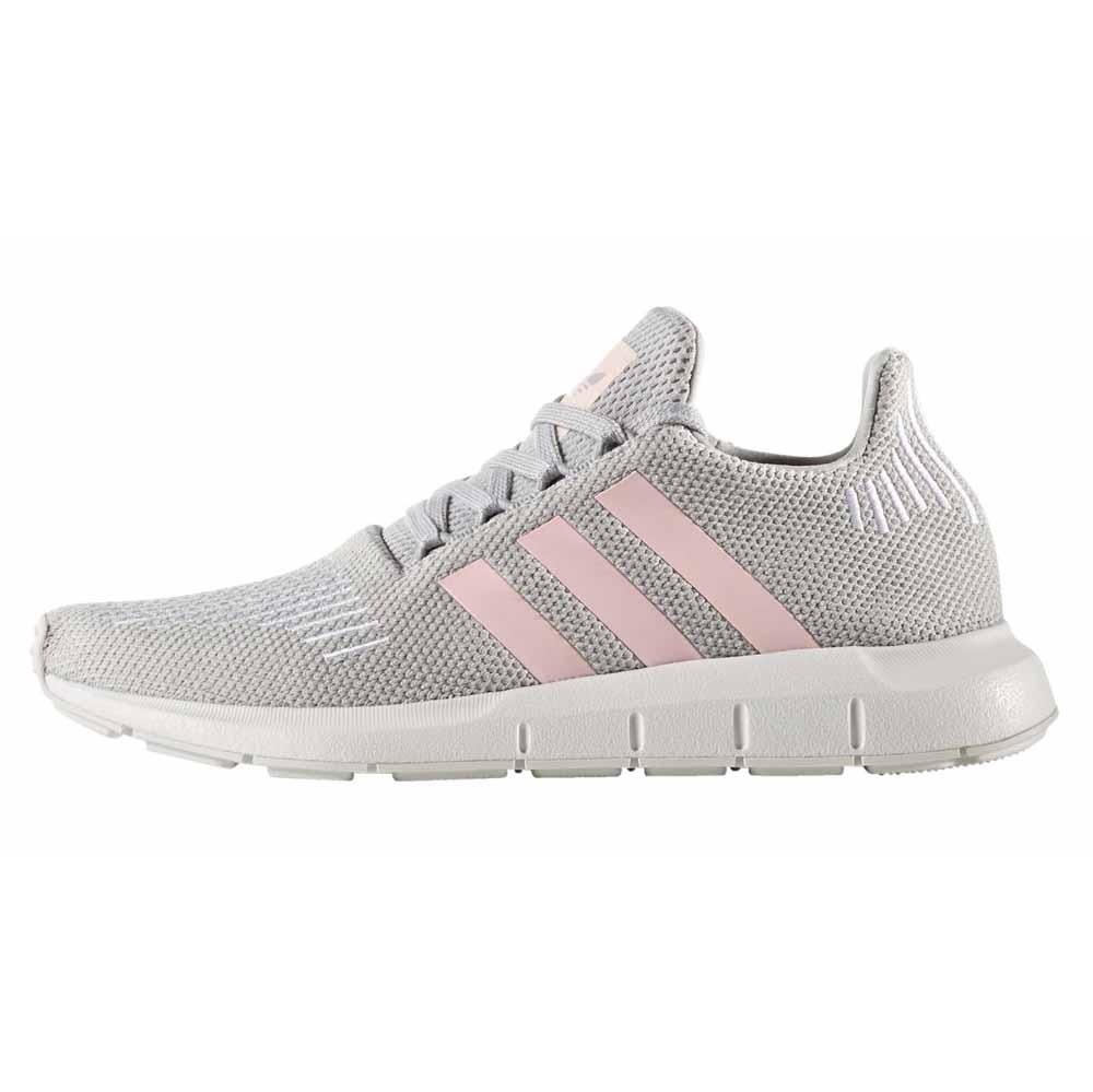 کفش مخصوص پیاده روی زنانه مدل Swift Run
