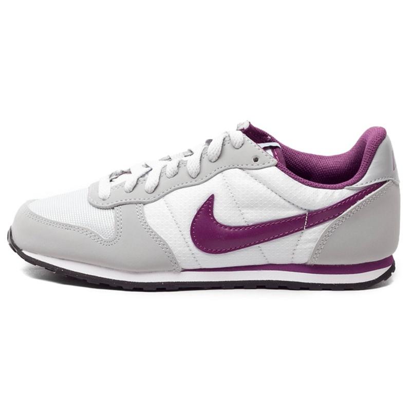 کفش راحتی زنانه نایکی مدل GENICCO