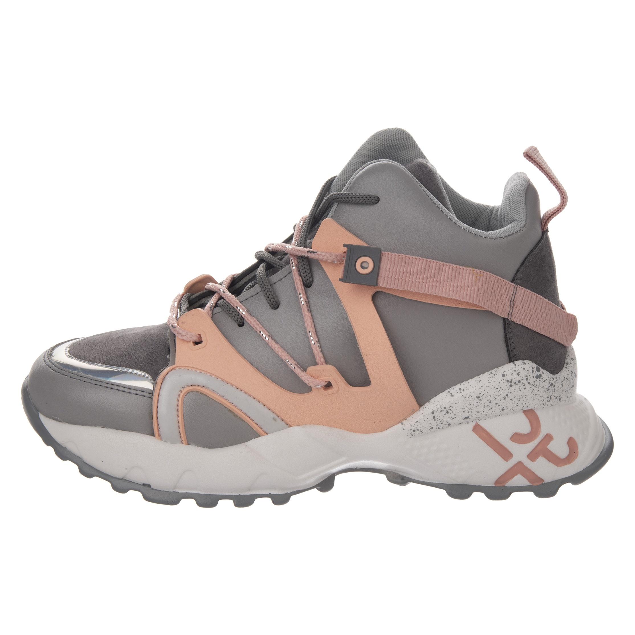 کفش ورزشی زنانه کد 01