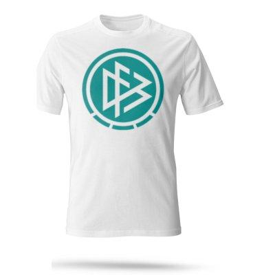 تصویر تی شرت سفید مردانه طرح آلمان