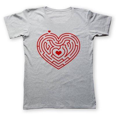 تی شرت زنانه به رسم طرح ماز قلب کد 471