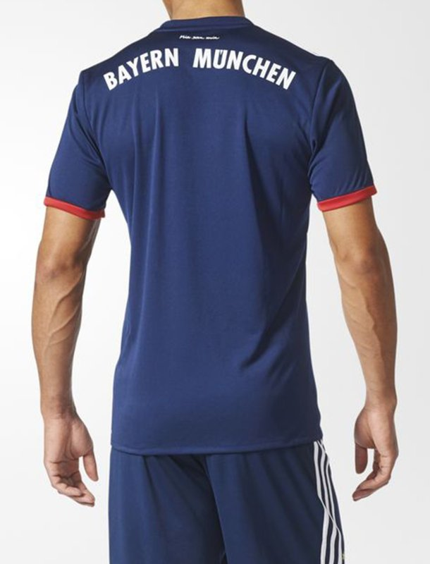 تی شرت ورزشی یقه هفت مردانه - آدیداس