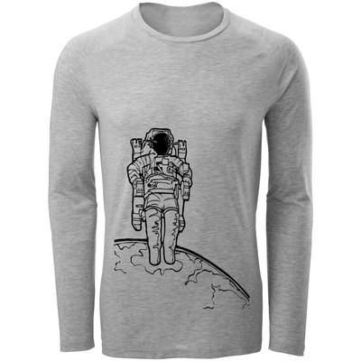 تصویر تی شرت آستین بلند مردانه طرح فضانورد کد B195