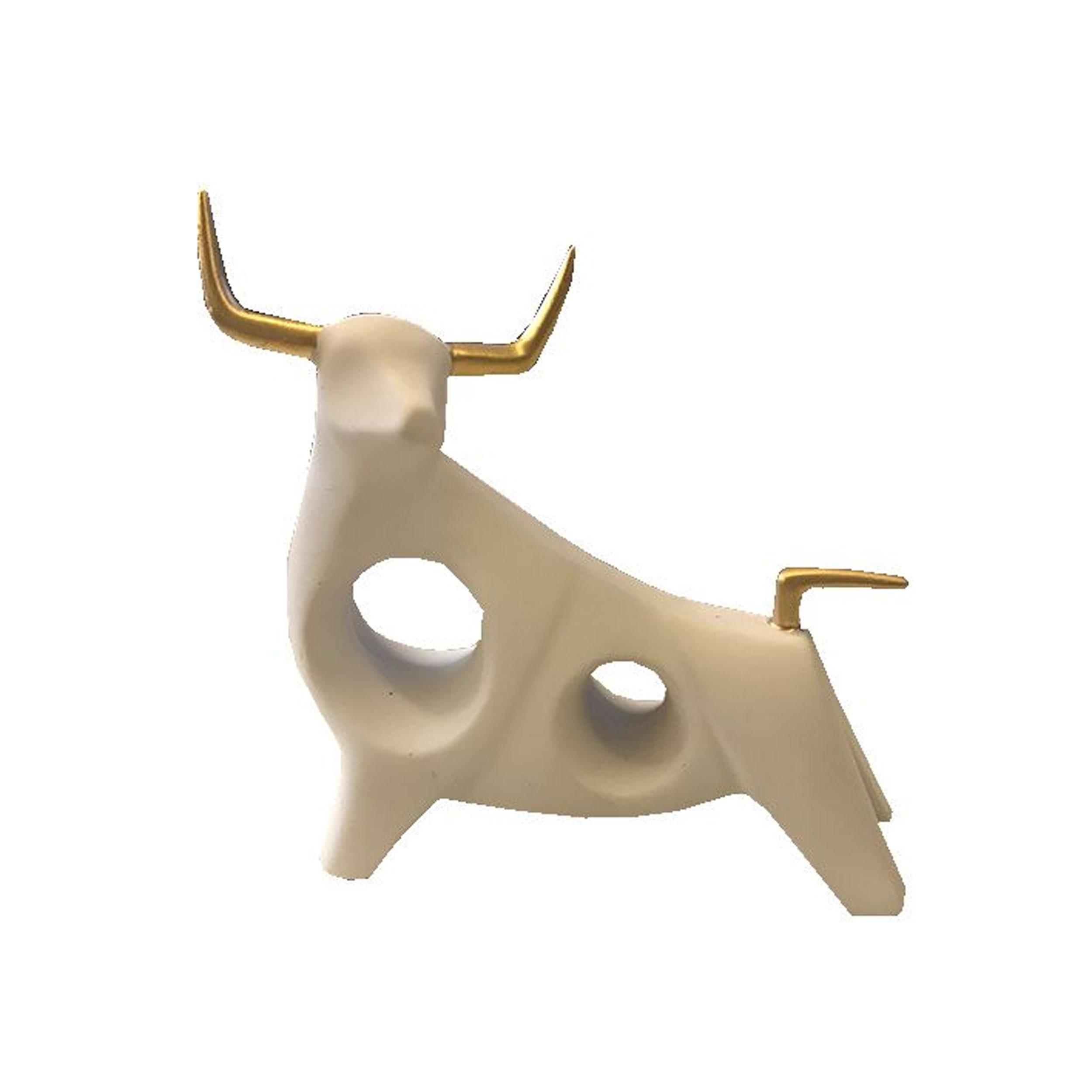 مجسمه طرح گاو مدل ماتادور 2