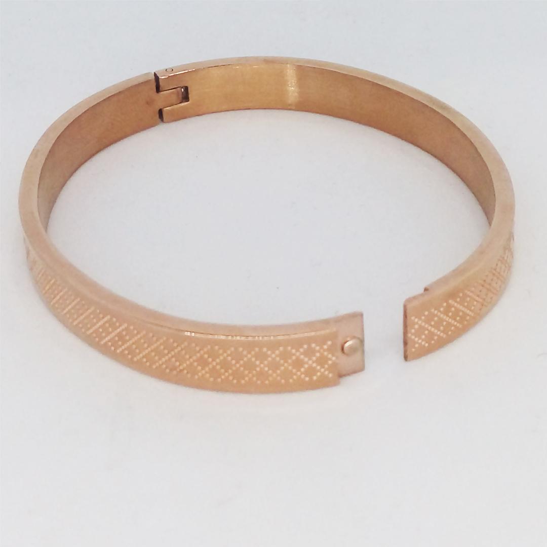 دستبند طرح love کد R03