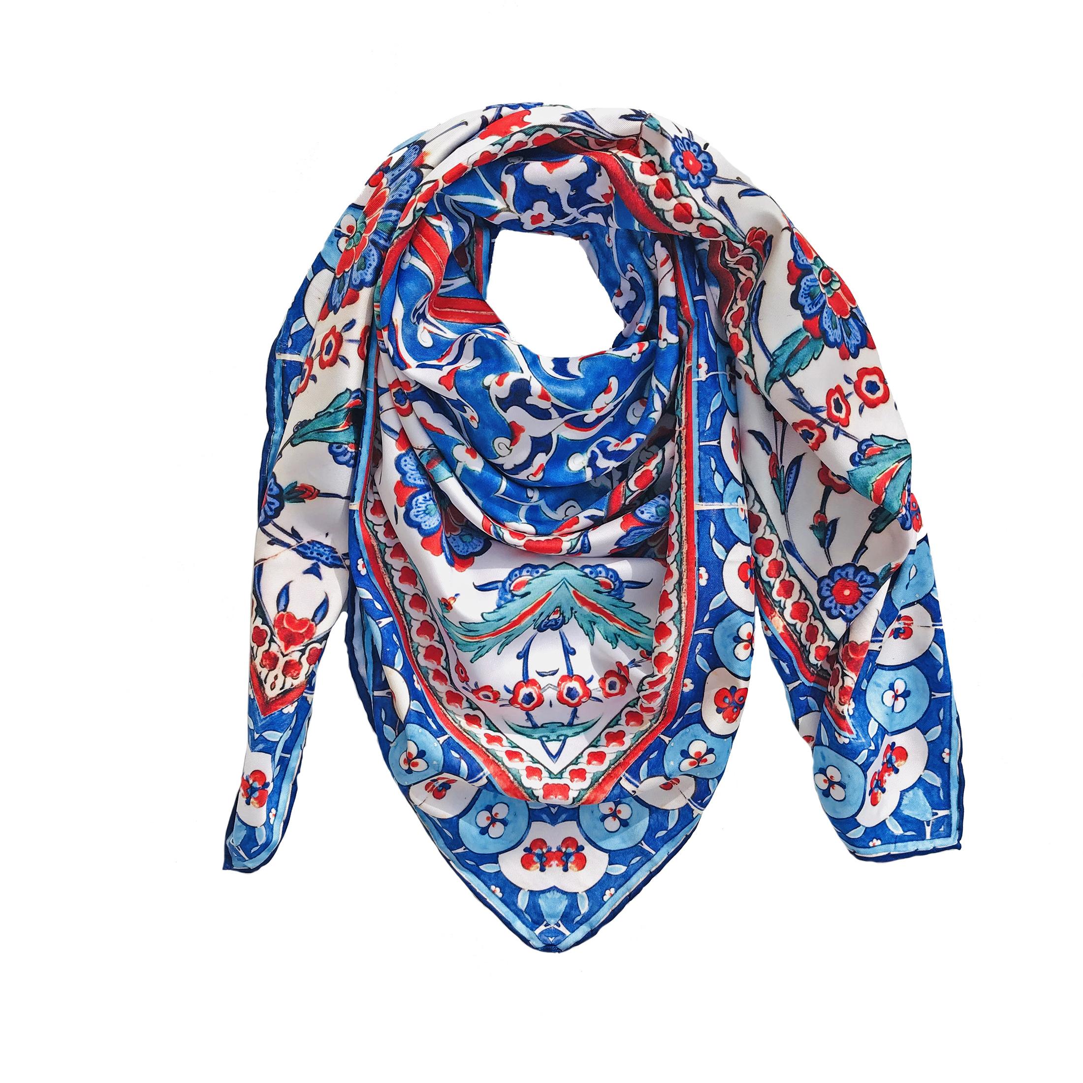 روسری زنانه طرح کاشی اصفهان کد CC02
