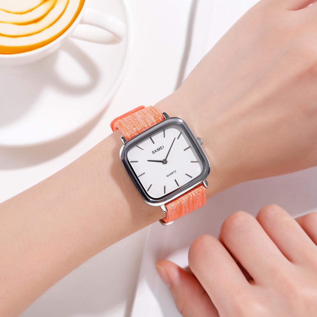 ساعت مچی عقربه ای زنانه اسکمی مدل 1555O