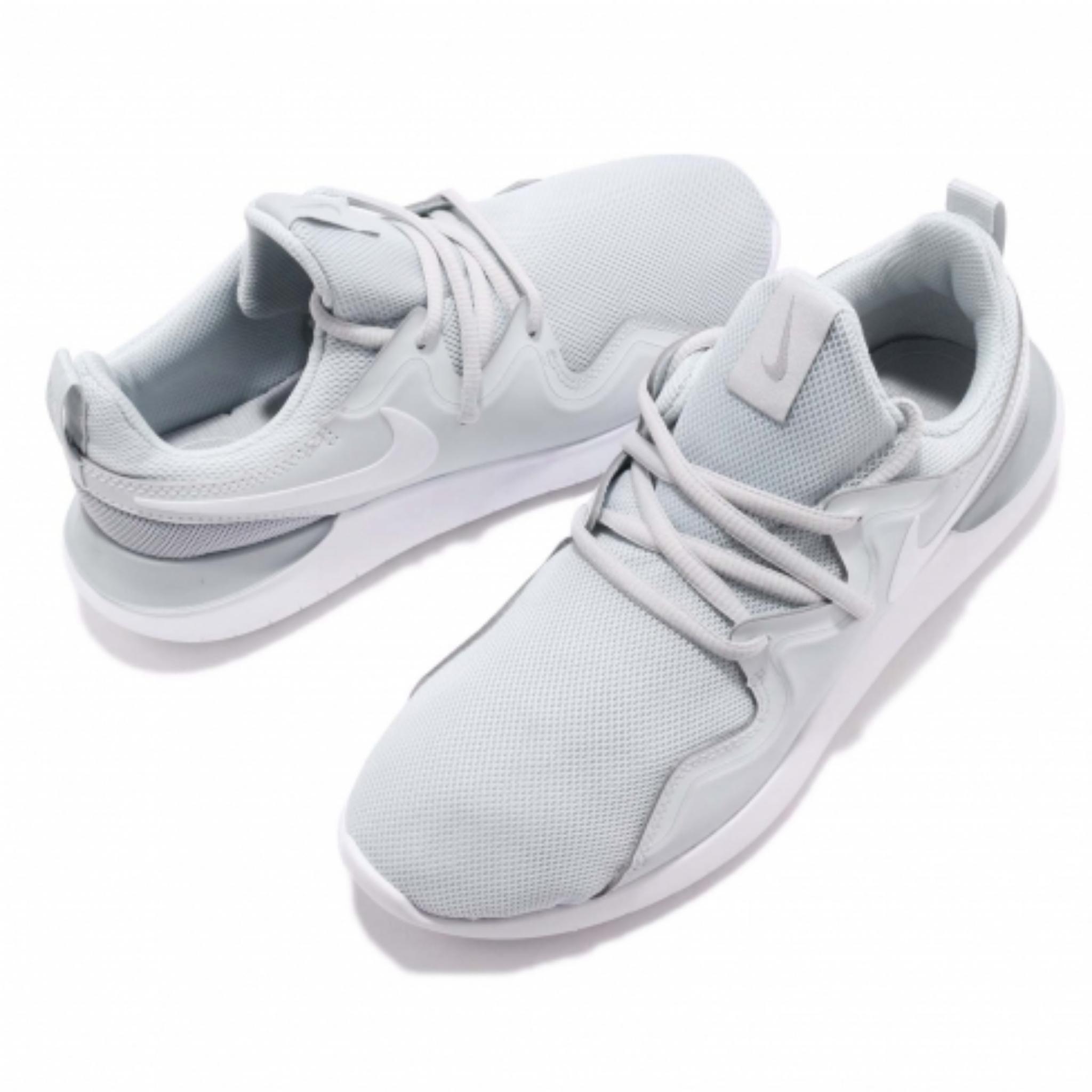 کفش مخصوص پیاده روی نایکی مدل TESSEN کد ۰۰۲