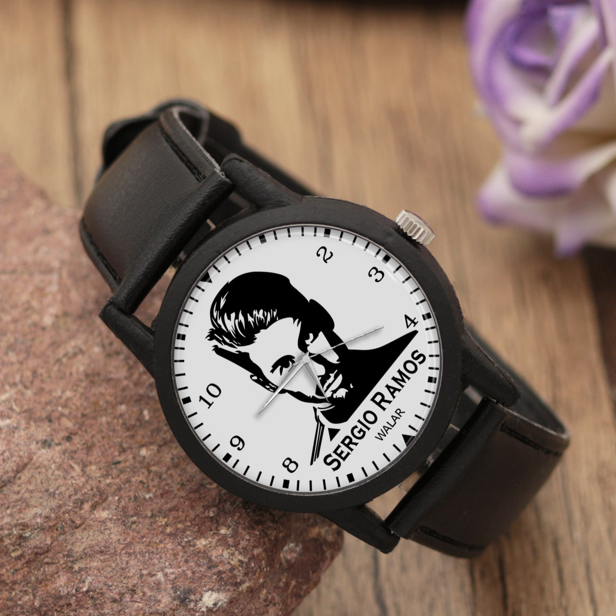 ساعت مچی عقربه ای مردانه والار طرح سرخیو راموس کد LF2155