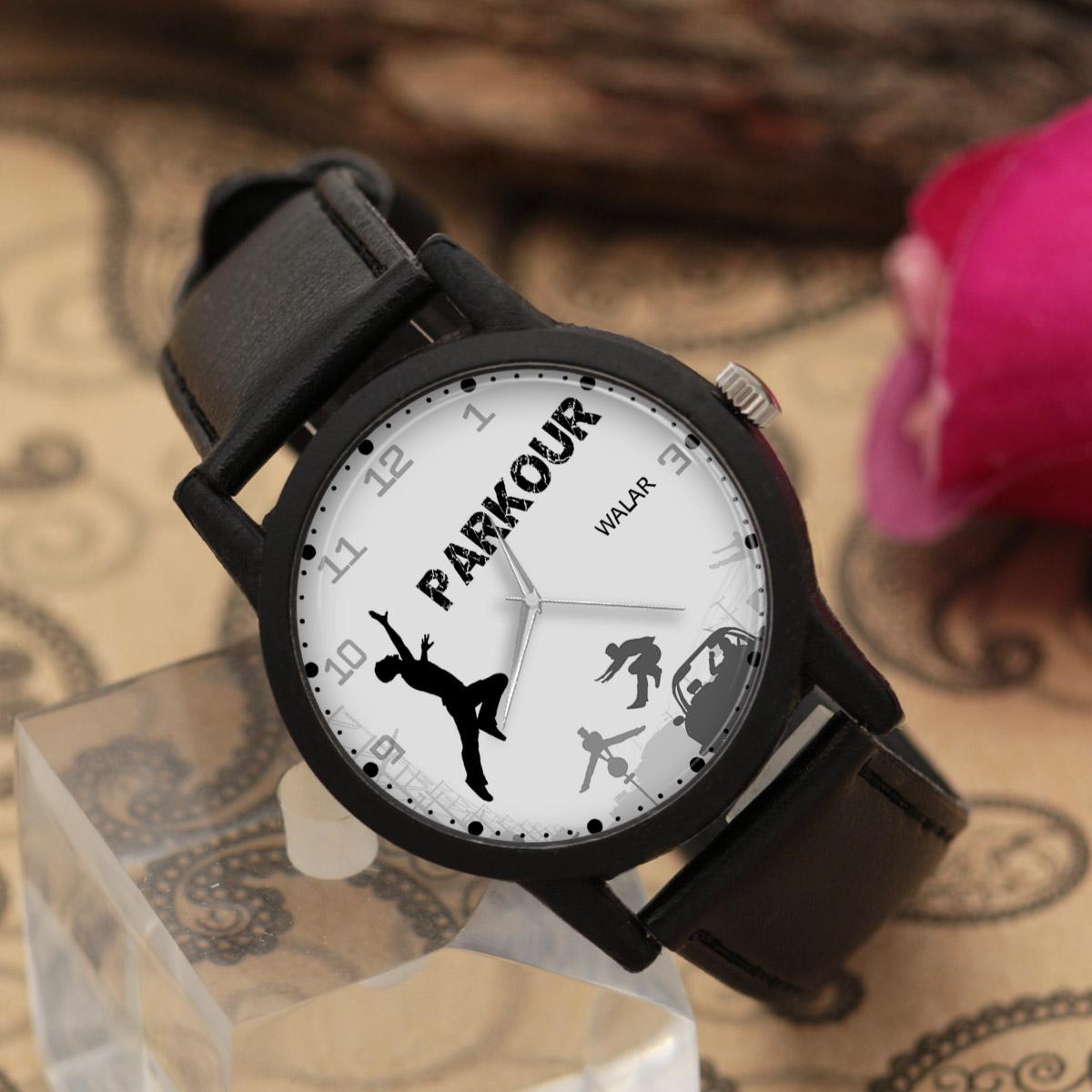 کد تخفیف                                      ساعت مچی عقربه ای مردانه والار طرح پارکور کد LF2228