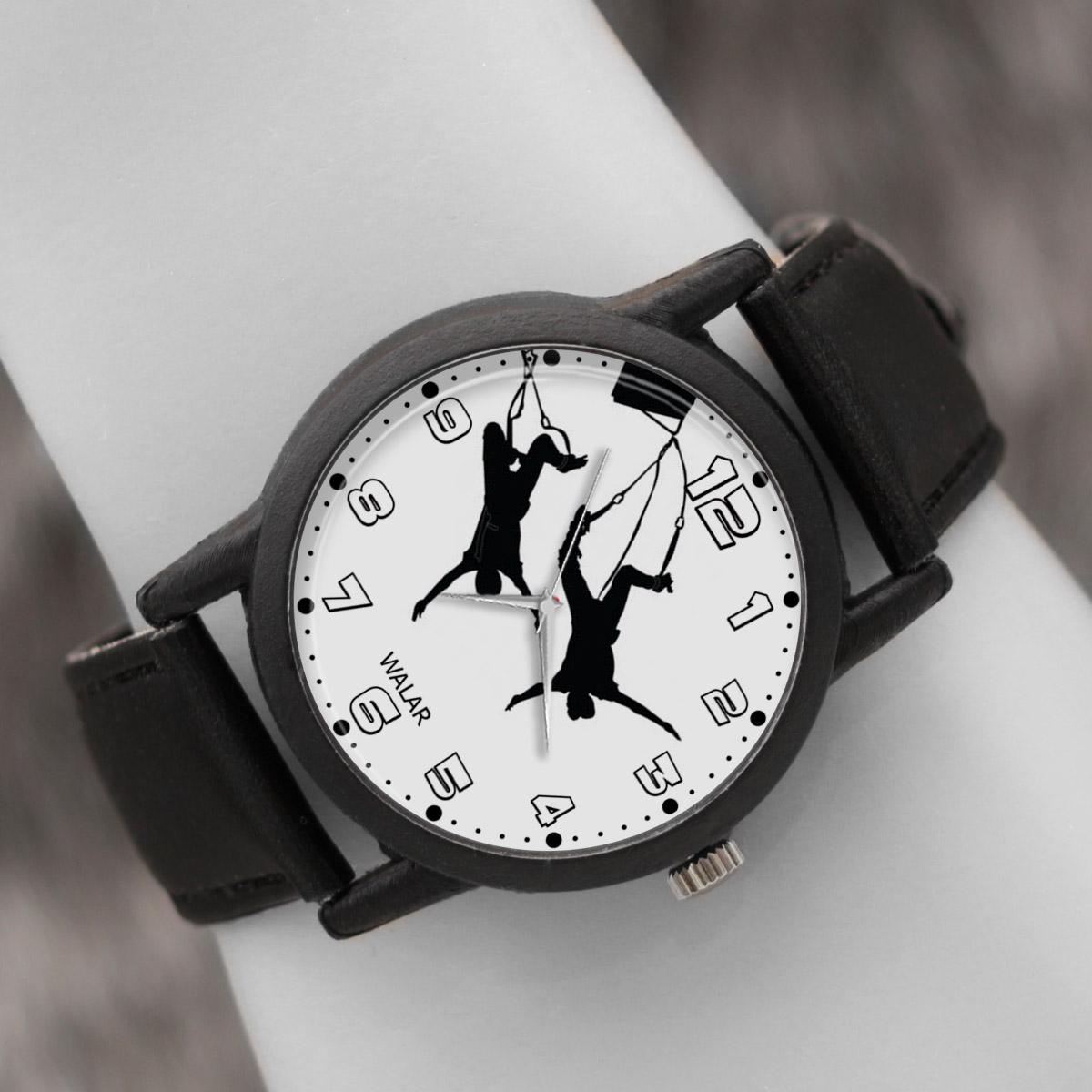 کد تخفیف                                      ساعت مچی عقربه ای والار طرح بانجی جامپینگ کد LF2234