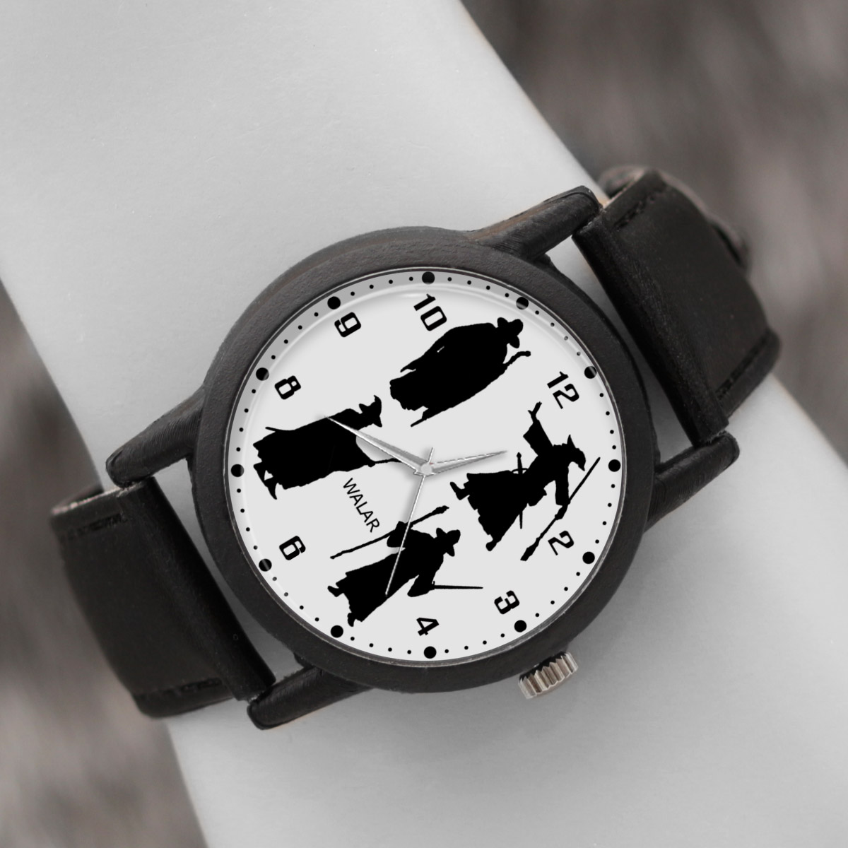 کد تخفیف                                      ساعت مچی عقربه ای والار طرح گندالف کد LF2328
