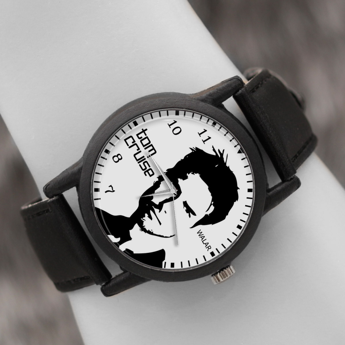 کد تخفیف                                      ساعت مچی عقربه ای والار طرح تام کروز کد LF2421