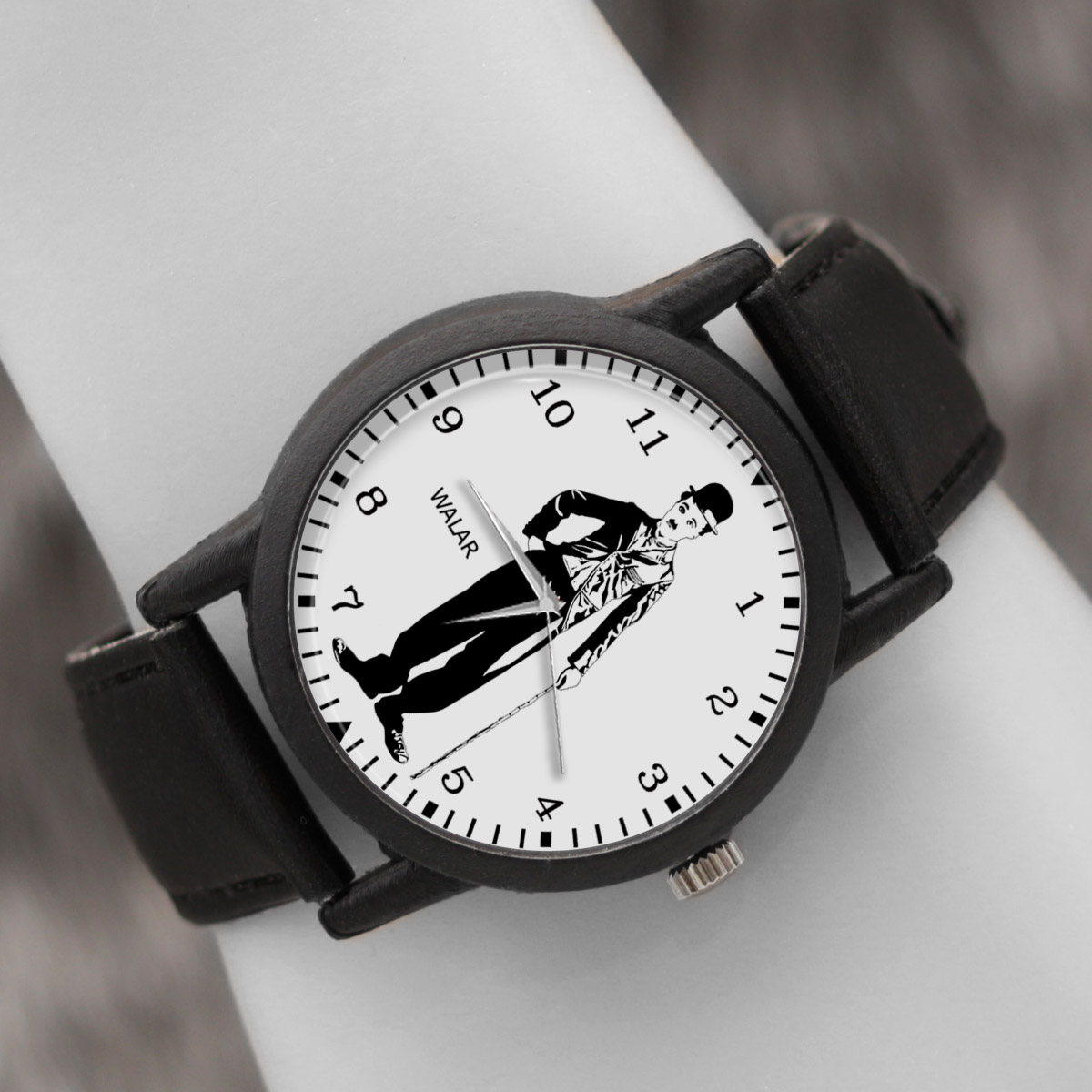 کد تخفیف                                      ساعت مچی عقربه ای والار طرح چارلی چاپلین کد LF2430