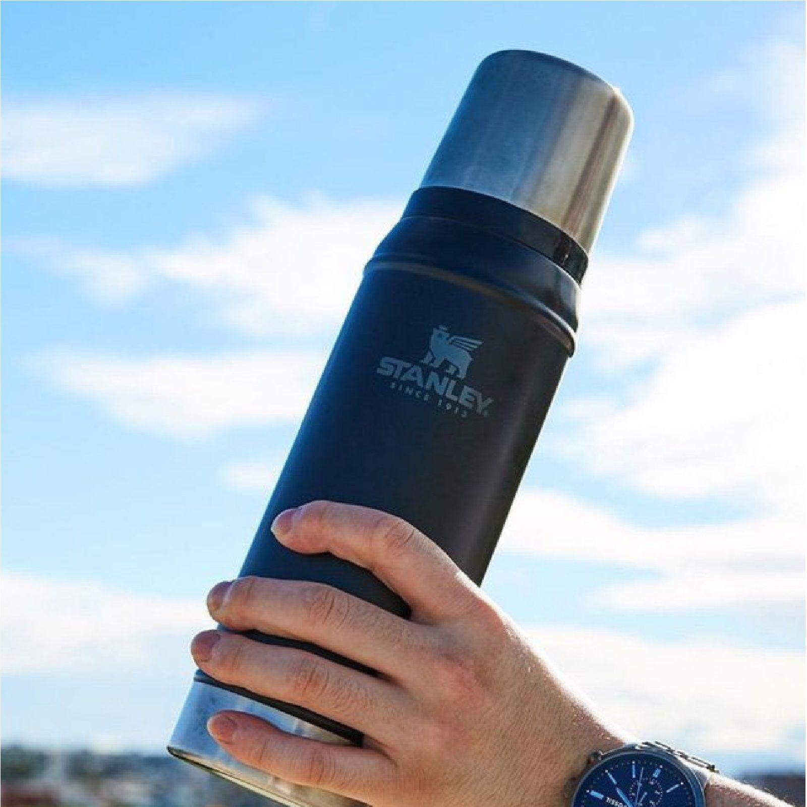 فلاسک استنلی سری کلاسیک ظرفیت 0.75 لیتر