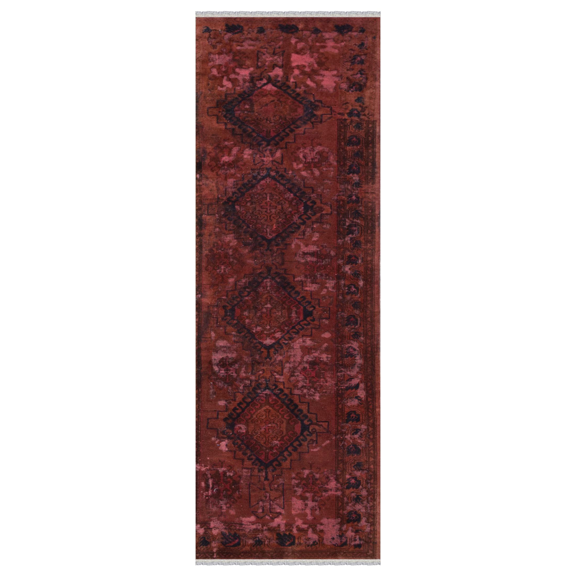 فرش دستبافت رنگ شده کناره طول سه متر طرح وینتج کد 1857