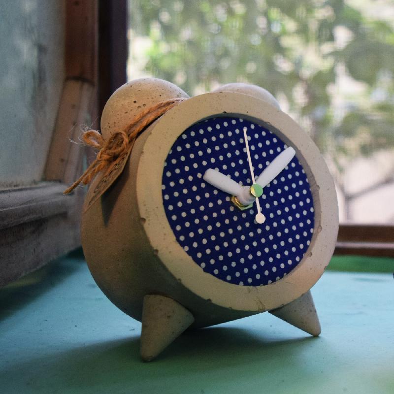 خرید                      ساعت رومیزی بتنی مدل M-c02