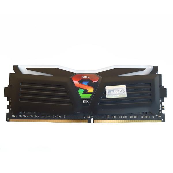 رم دسکتاپ DDR4 تک کاناله 2400 مگاهرتز CL17 گیل مدل SUPER LUCE RGB  ظرفیت 4 گیگابایت