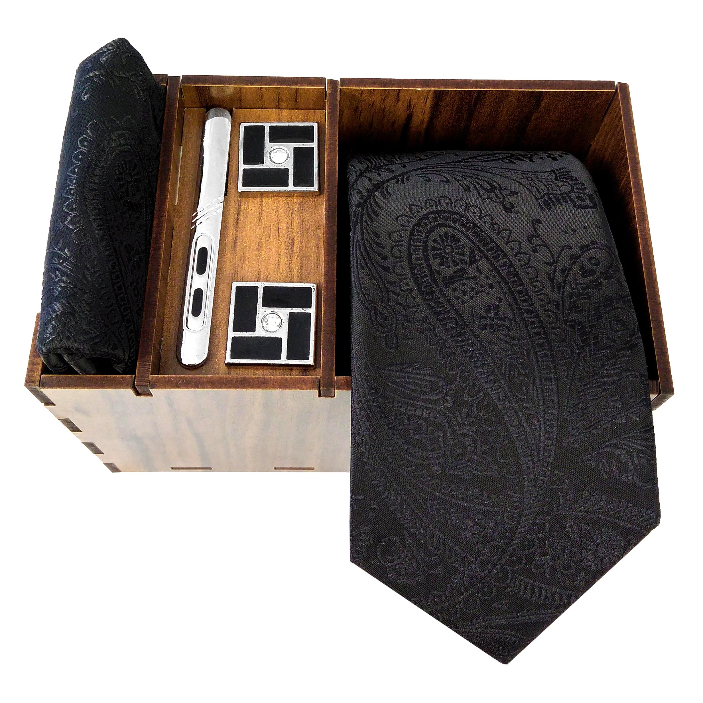 ست کراوات و دستمال جیب و دکمه سر دست مردانه کد 431