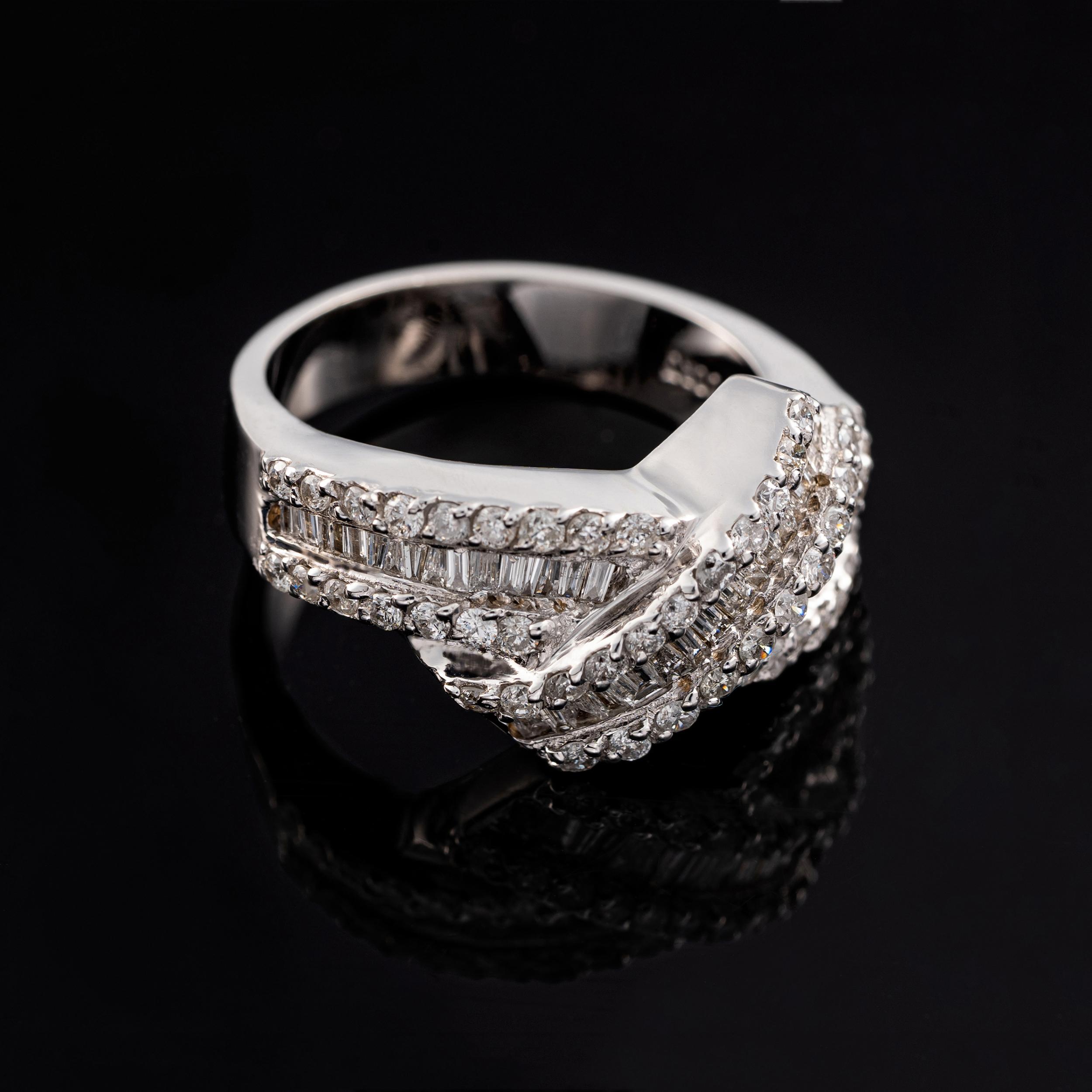 انگشتر طلا 18 عیار زنانه جواهری سون مدل 2427