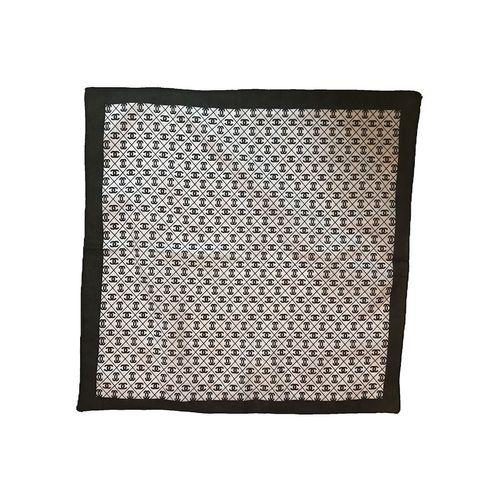 دستمال سر و گردن باندانا مدل سیاه و سفید