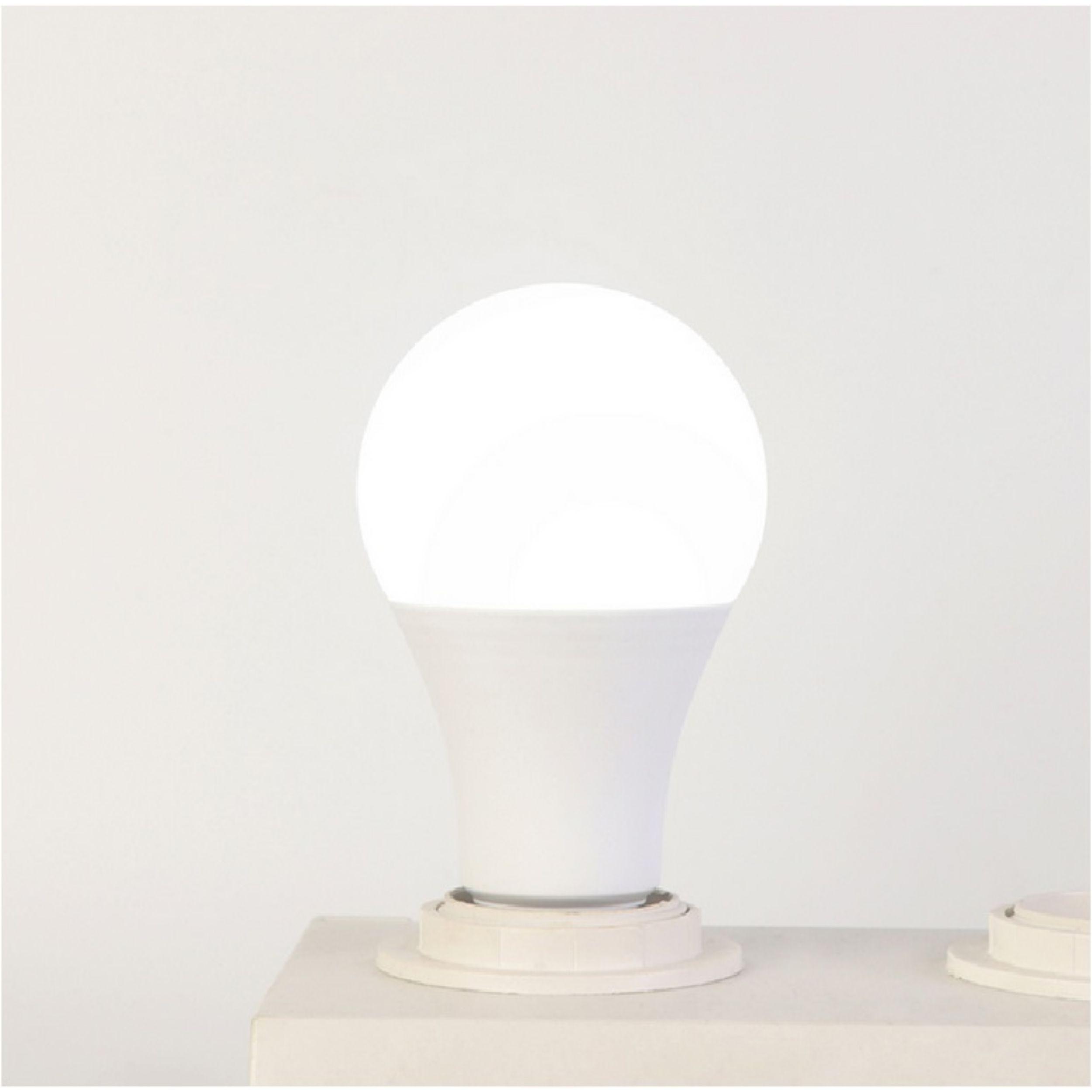 لامپ ال ای دی 15 وات سی ام آ مدل C1-5k پایه E27 بسته 40 عددی